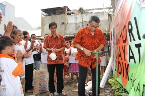 Gerakan 4 Juta Biopori Hidayat+Didik 4 Jakarta