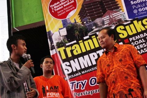 Try Out SNMPTN Bersama Bang Hidayat
