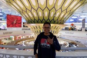 Bermalam di Bandar Udara Internasional Abu Dhabi