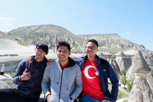 Berpose di cappadocia turki